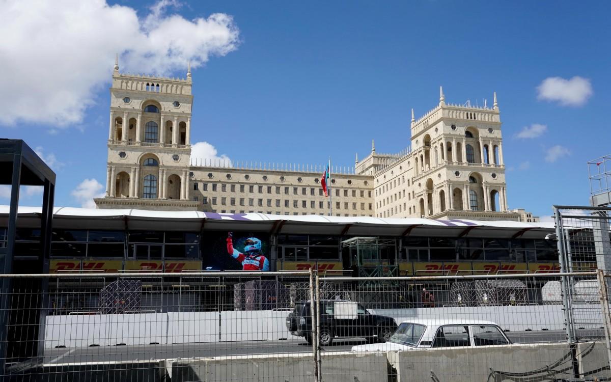 Zdjęcia: Baku, Baku, Przygotowania do wyścigu F1 pod Domem Sowietów, AZERBEJDżAN