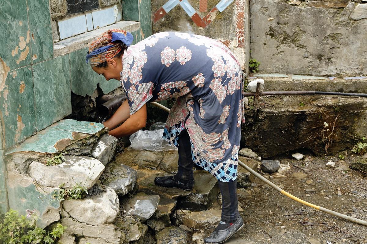 Zdjęcia: Laza, płn. Azerbejdżan, Jeszcze bez wod-kan, AZERBEJDżAN
