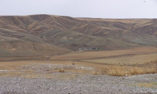 Zdjecie AZERBEJDżAN / Samaxl / dorga w strone Seki / aksamitne góry