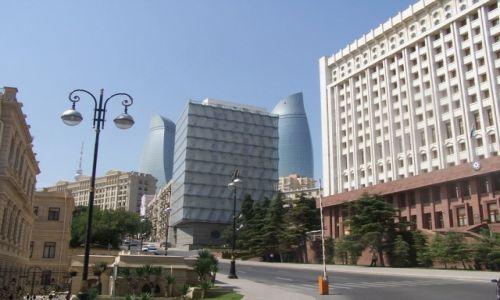 Zdjęcie AZERBEJDżAN / Baku / centrum miasta / panorama miasta od strony Filharmonii