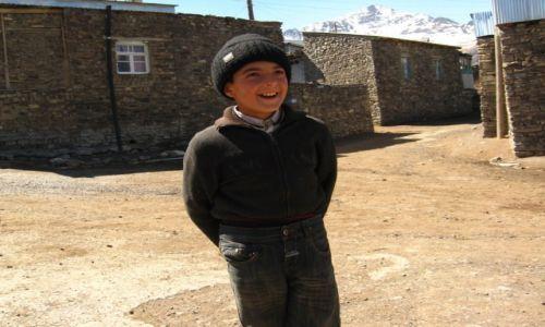 Zdjecie AZERBEJDżAN / - / Azerbejdżan / Maleński uśmiech....