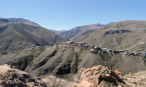 Zdjecie AZERBEJD�AN / Kaukaz / Chinaliq / widok na wiosk�