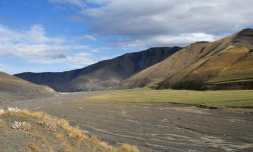Zdjęcie AZERBEJDżAN / Xinaliq / w drodze do Xinaiq / Dolina