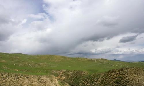 Zdjecie AZERBEJDżAN / Szirwan / Maraza / Bezleśny krajobraz wschodniego Azerbejdżanu