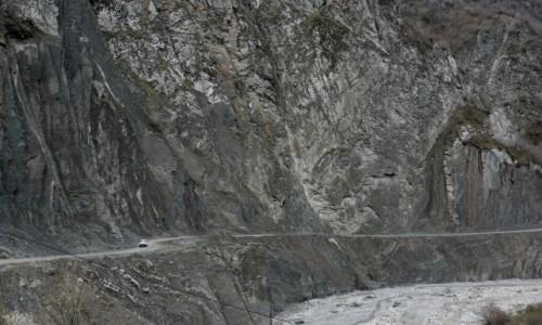 Zdjecie AZERBEJDżAN / Szirwan / Lahic / Droga do Lachicz (Lahıc)