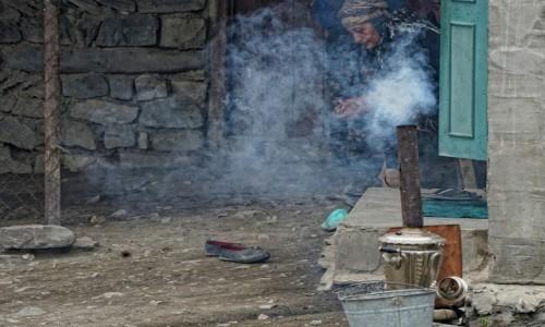 AZERBEJDżAN / płn. Azerbejdżan / Xinaliq / Czas na herbatkę