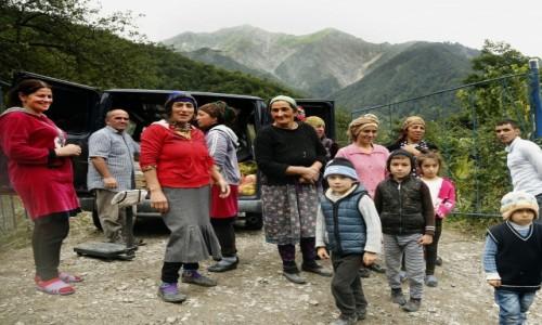 Zdjecie AZERBEJDżAN / płn. Azerbejdżan / Laza / Obwoźny sklep...