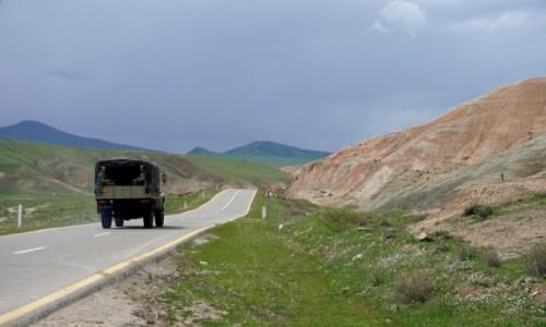 Zdjęcie AZERBEJDżAN / Quba / Xizi / W Górach Cukierkowych
