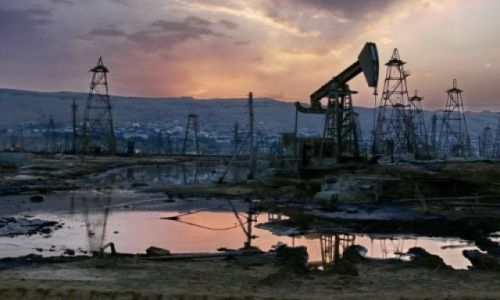 Zdjęcie AZERBEJDżAN / Półwysep Abseron / Bibi Ejbat - południowe przedmieścia Baku. / Czas Apokalipsy