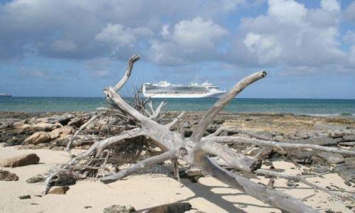 Zdjecie BAHAMY / brak / Eleuthera Island / Statek pasażerski