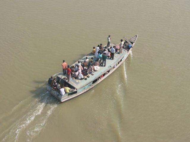 Zdjęcia: Nad rzeką, Bagerhat, Pasażerski transport rzeczny, BANGLADESZ