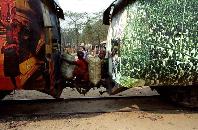 Zdjęcia: Cox`s Bazar, Buforowe pasażerki, BANGLADESZ