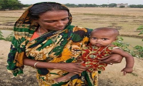 Zdjęcie BANGLADESZ / Dhaka Division / Birisiri / Matka z córką