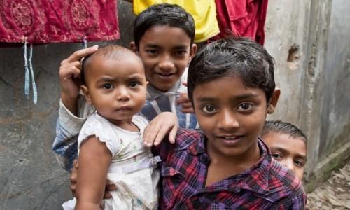 Zdjęcie BANGLADESZ / Dhaka Division / Dhaka / Poznaj moją siostrę ...