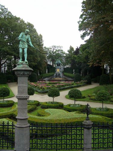 Zdjęcia: Bruksela, Place du Petit Sablon , BELGIA