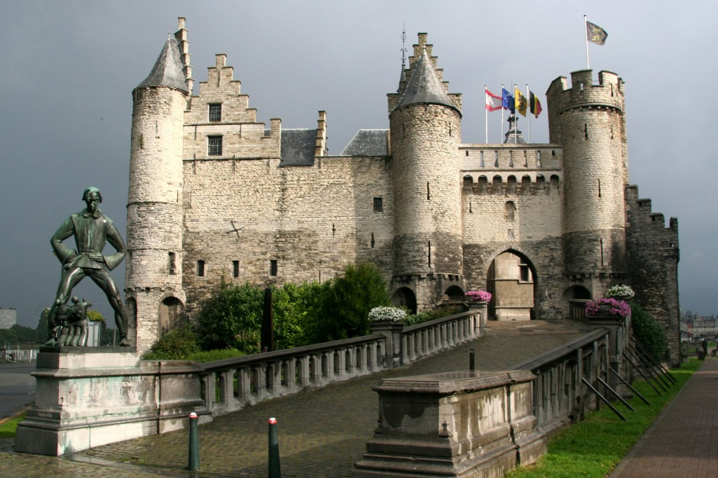 Zdjęcia: Zamek Het Steen, Antwerpia, Bajkowy zamek 2, BELGIA