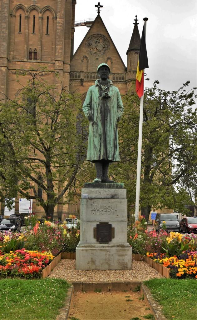 Zdjęcia: Arlon, Walonia, Arlon, pomnik króla Alberta, BELGIA