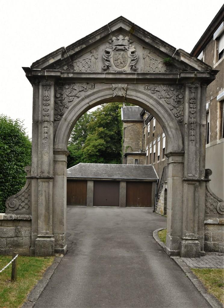 Zdjęcia: Arlon, Walonia, Arlon, kościół św. Donata, dawna brama klasztorna, BELGIA
