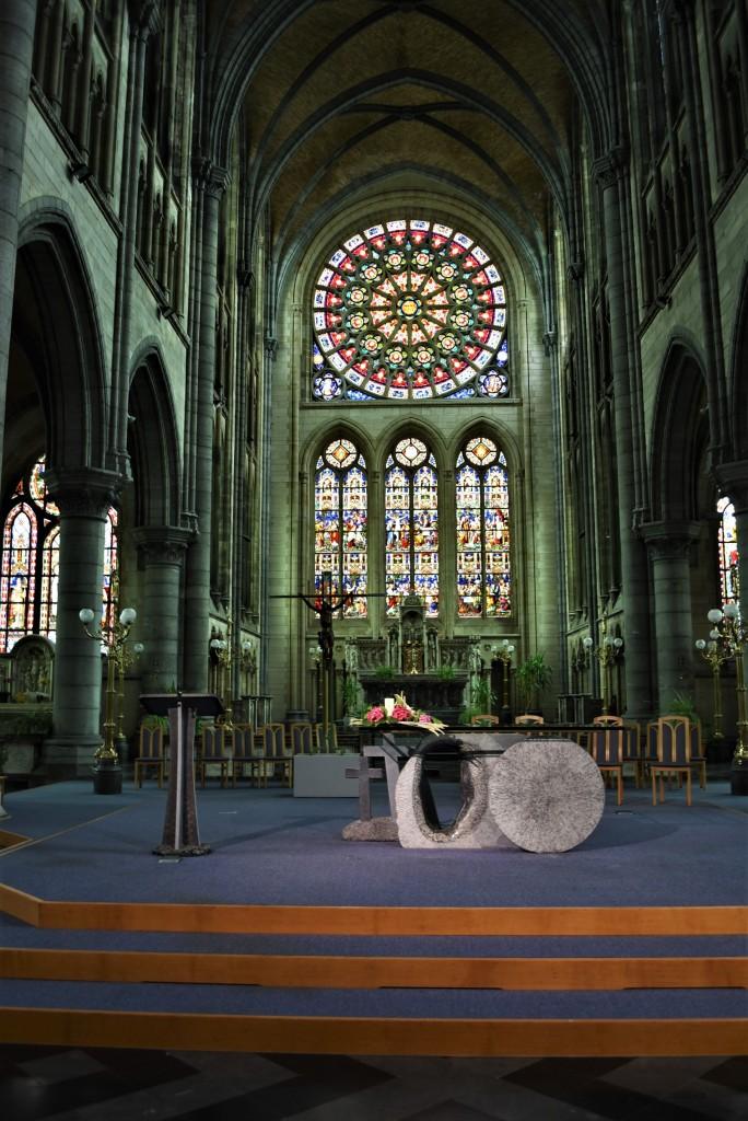 Zdjęcia: Arlon, Walonia, Arlon, kościół św. Marcina, transept, BELGIA