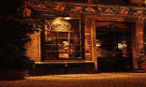 BELGIA / - / Antwerpia / Magiczne drzwi