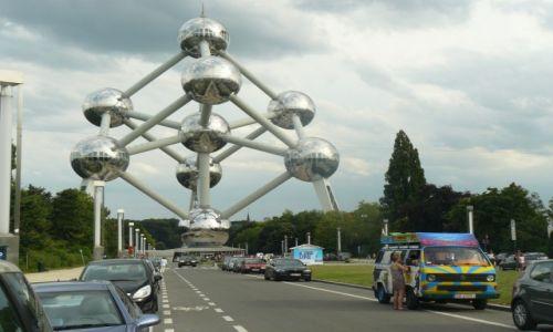 Zdjecie BELGIA / - / Bruksela, Atomium / Tripowóz pod Atomium