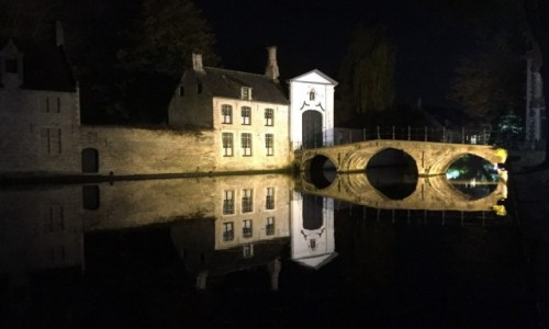 Zdjecie BELGIA / Flandria / Brugia / W Brugii nocą