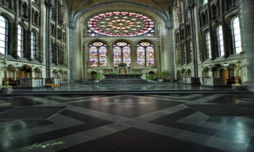 BELGIA / Walonia / Arlon / Arlon, kościół św. Marcina