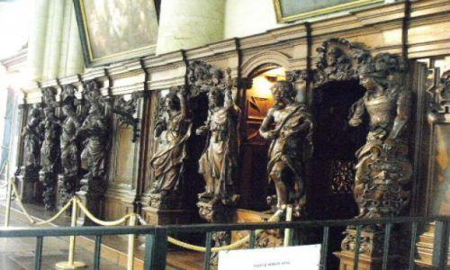 Zdjecie BELGIA / Brugge / katedra / konfesjonal de luxe