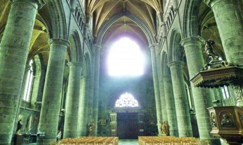 Zdjęcie BELGIA / Namur / Ardeny / Dinant / Katedra w Dinant