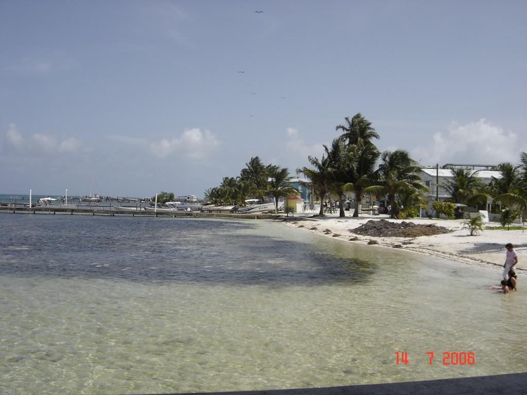 Zdjęcia: Belize City, Belize City, Plaża na rajskiej wyspie, BELIZE