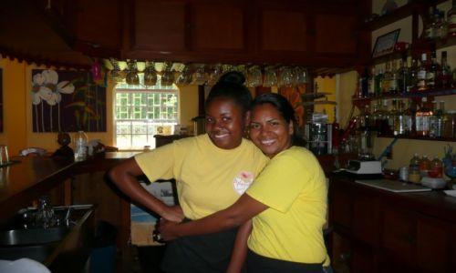 Zdjecie BELIZE / Ameryka Srodkowa / Placencia / kelnerki z Plac
