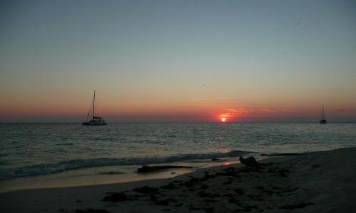 Zdjecie BELIZE / Ameryka Srodkowa / przy South Water Cayes / dziń się kończy