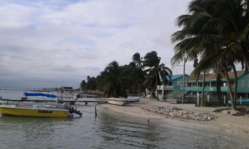 BELIZE / - / Caye Caulker / Caye Caulker – niewielka wyspa koralowa zbudowana z wapienia u wybrzeży Belize