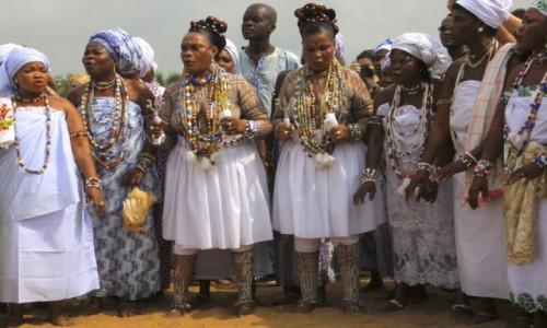 Zdjecie BENIN / Ouidah / Ouidah / Bliźniaczki - bardzo cenione osoby w religii Voodoo