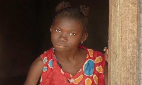 BENIN / Południowy / Cotonou / Moje okienko ... na świat