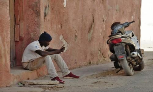 BENIN / Południowy / Cotonou / Współczesny tam-tam