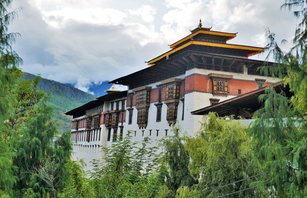 Zdjęcia: Dzong Paro, Dystrykt Paro, Wszystkie dzongi w Bhutanie emanują szczególnym pięknem, BHUTAN