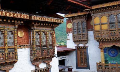 BHUTAN / Punakha / Dzong - klasztor- twierdza / Dzong Punakha zachwyca detalami