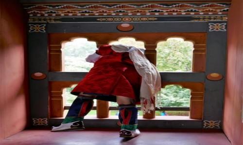 BHUTAN / Thimpu / Dzong Thimpu / Oglądanie i podglądanie