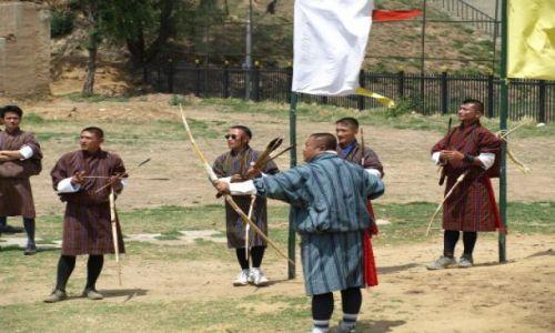 Zdjecie BHUTAN / brak / Thimpu / Narodowy sport strzelanie z łuku do tarczy 20cm z odl. 120 m