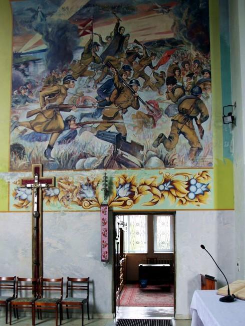 Zdjęcia: Soły, Kościół p.w. Matki Bożej Różańcowej, Grodno, Cud nad Wisłą, malowidło ścienne, BIAłORUś