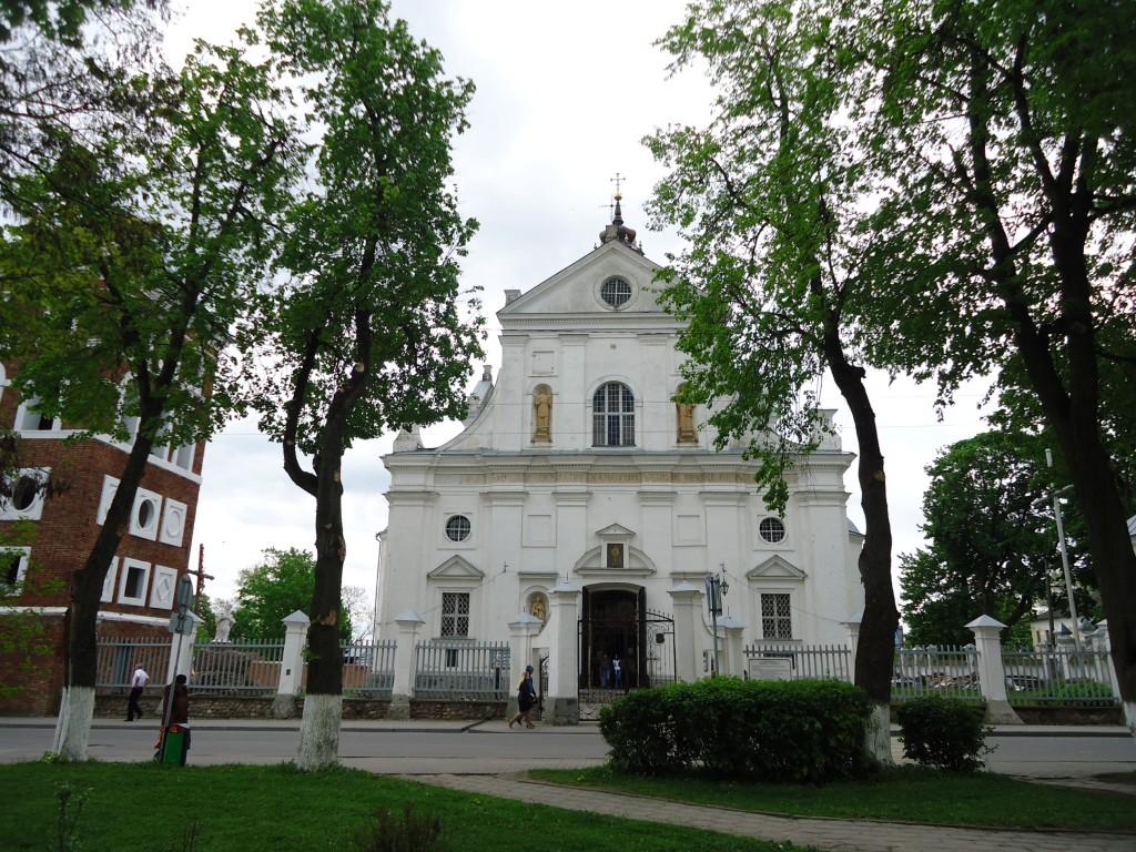 Zdjęcia: Nieśwież, Obwód miński, Kościół Bożego Ciała - fasada, BIAłORUś
