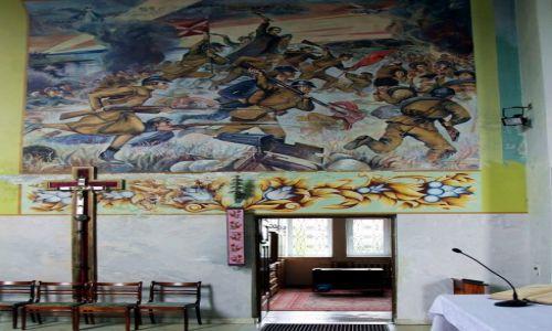 BIAłORUś / Grodno / Soły, Kościół p.w. Matki Bożej Różańcowej / Cud nad Wisłą, malowidło ścienne