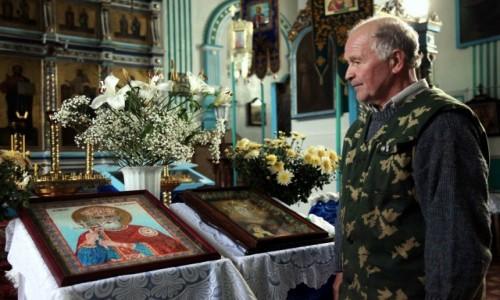 Zdjęcie BIAłORUś / Witebsk / Brasław, Cerkiew Zaśnięcia NMP / Pan, który pisze ikony