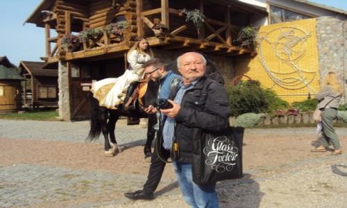 Zdjecie BIAłORUś / Grodzieńszczyzna / Majątek Korobczyce / Autor tekstu na turystycznym szlaku