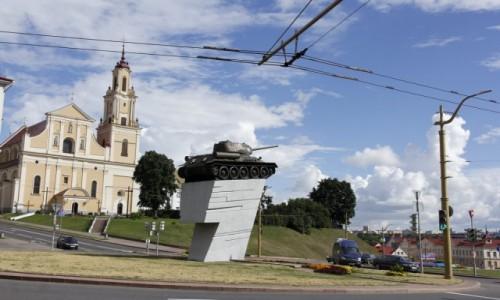 Zdjecie BIAłORUś / Obwód grodzieński / Grodno / Grodno - czołg - pomnik wyzwolenia