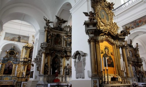 Zdjecie BIAłORUś / Obwód grodzieński / Grodno / Wnętrze Katedry św. Franciszka Ksawerego w Grodnie