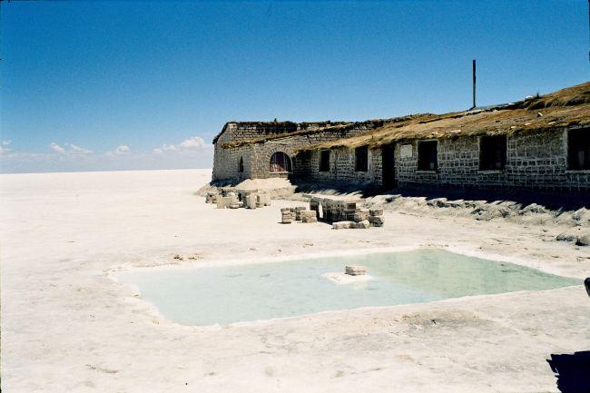 Zdjęcia: samiuteńki środek słonych pustyń ;-), Salar de Uyumi, Hotel wybudowany z soli, BOLIWIA