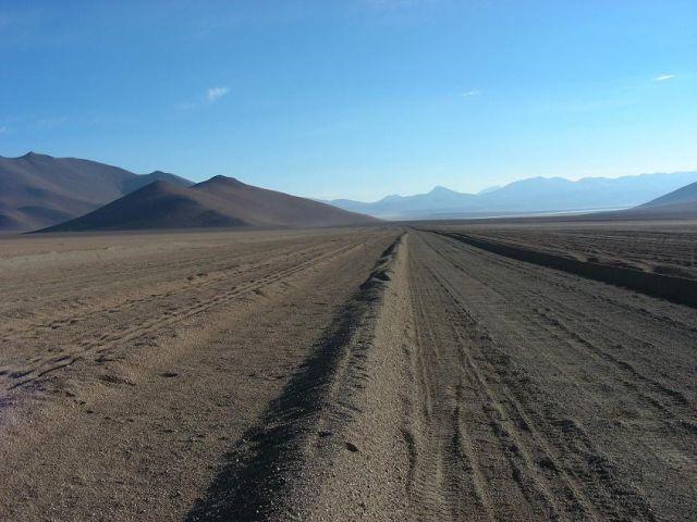 Zdjęcia: pogranicze Boliwia-Chile, stan Potosi, Andyjska droga miedzynarodowa pow. 4500 m.n.p.m, BOLIWIA