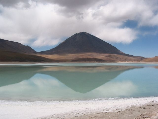 Zdjęcia: Laguna Verde, Laguna Verde i Licancabur w tle, BOLIWIA